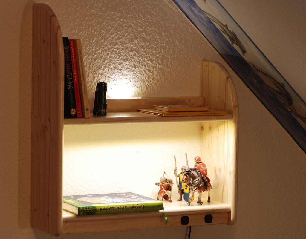 regal mit led beleuchtung. Black Bedroom Furniture Sets. Home Design Ideas